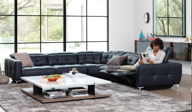 American Leather Style In Motion Sale at IDS January 2021